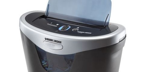 By The Good Housekeeping Insute Black And Decker Cc1000 Paper Shredder