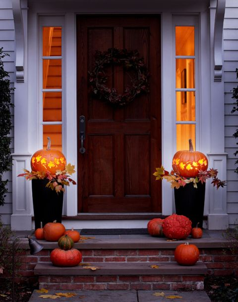 Light Your Porch With Pumpkin Lanterns | Top Curb Appeal Ideas For Your Home This Fall