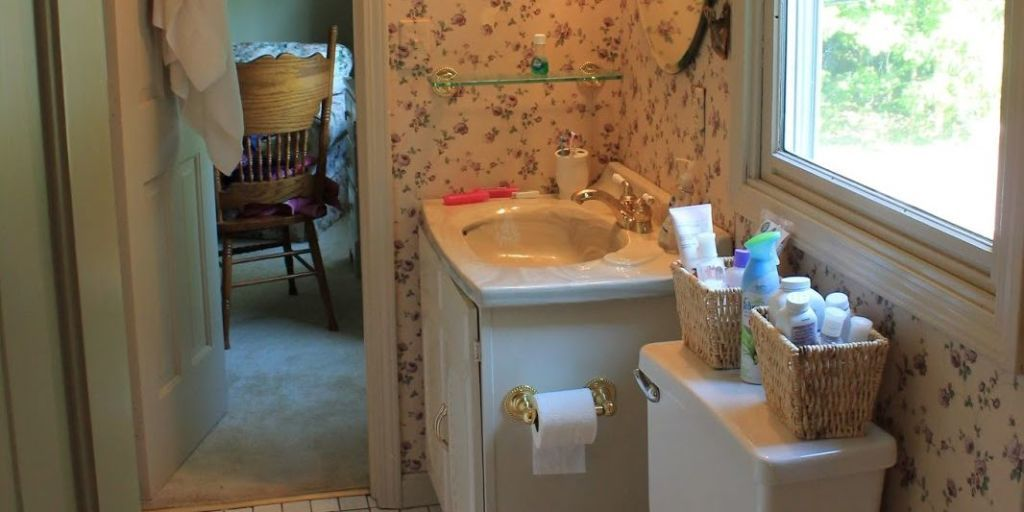 Bathroom Before-and-After - Budget Bathroom Makeover