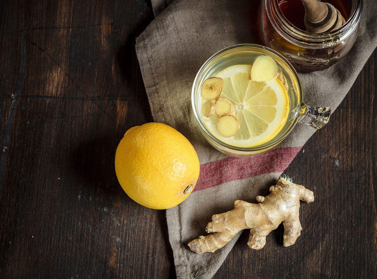 come preparare lacqua allo zenzero e il limone per perdere peso