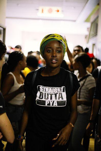Nompendulo Mkhatshwa è una dei capi della rivolta studentesca #FeesMustFall in atto in Sud Africa