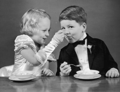 Serveware, Dishware, Table, Child, Tableware, Sitting, Sharing, Toddler, Plate, Eating,