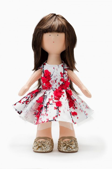 Clothing, Toy, Shoulder, Dress, Bangs, Pink, Doll, One-piece garment, Day dress, Brown hair,