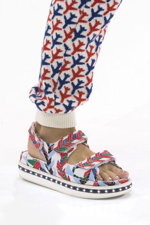 scarpe basse sandali giapponesi moda estate 2016