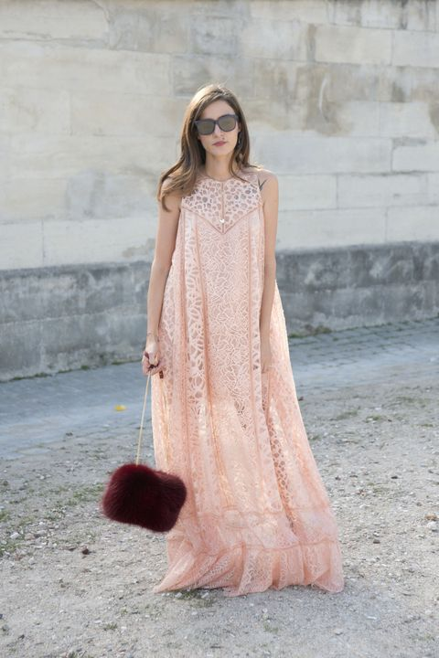 moda 2016 street style look monocromatico rosa