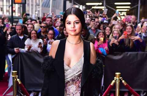 Selena Gomez look