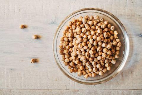 <p>I ceci sono legumi che contengono omega 3 e sono tra i più versatili in cucina.</p>