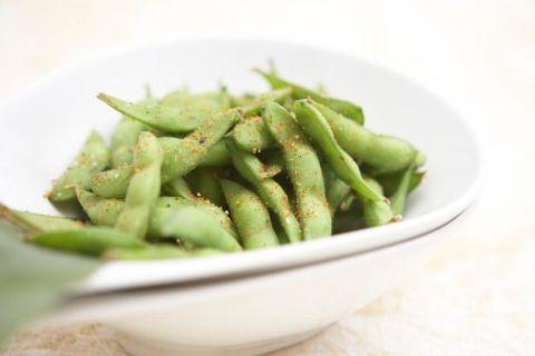 <p>L'edamame è un legume diffuso soprattutto in Giappone, in Italia si è diffuso grazie alla moda della cucina giapponese.</p>