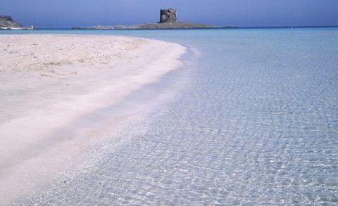 <p>La seconda scelta degli utenti di Tripadvisor cade ancora in Sardegna. Si va tutto a nord-ovest, dove Stintino (Sassari) offre lo spettacolo della spiaggia che vedete nella foto.</p>