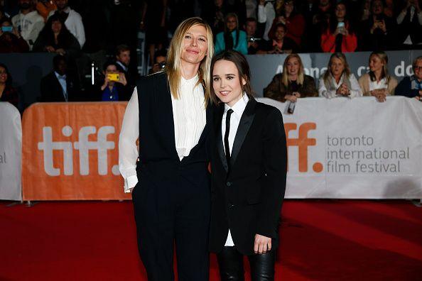 """<p><strong>Le buffe</strong>. A vederle così non risultano esattamente quella che si definisce una coppia bene assortita, ma al di là di un'estetica che lascia il tempo che trova l'attrice Ellen Page e la sua compagna Samantha Thomas sono un tripudio di amore. La protagonista del drammatico <a href=""""https://www.youtube.com/watch?v=KBFia-6VTTM"""" target=""""_blank"""">Freeheld</a> (che parla proprio di diritti civili ed è ispirato ad una storia vera) si è infatti detta «innamoratissima»<span class=""""redactor-invisible-space""""> della bionda Samantha. Una dichiarazione che ha il sapore della libertà, dopo che due anni fa l'attrice ha fatto coming out con un discorso emozionante che potete ascoltare <a href=""""https://www.youtube.com/watch?v=JYcbtY2LhbA"""" target=""""_blank"""">qu</a>i. </span></p>"""
