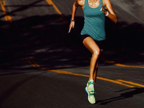 <p>Quando la temperatura corporea supera i 37 gradi centigradi, diminuisce l'efficienza: il nuovo Climachill di Adidas permette di mantenerla a un livello ottimale, agevolando la performance anche quando fa più caldo.</p>