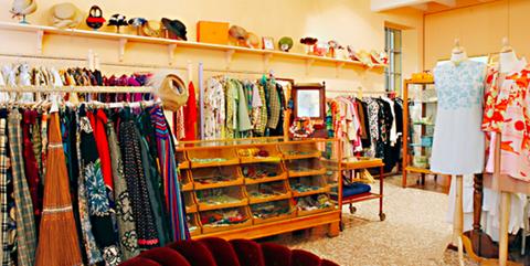 Shopping a milano le boutique pi esclusive di vintage e for Negozi arredamento vintage milano