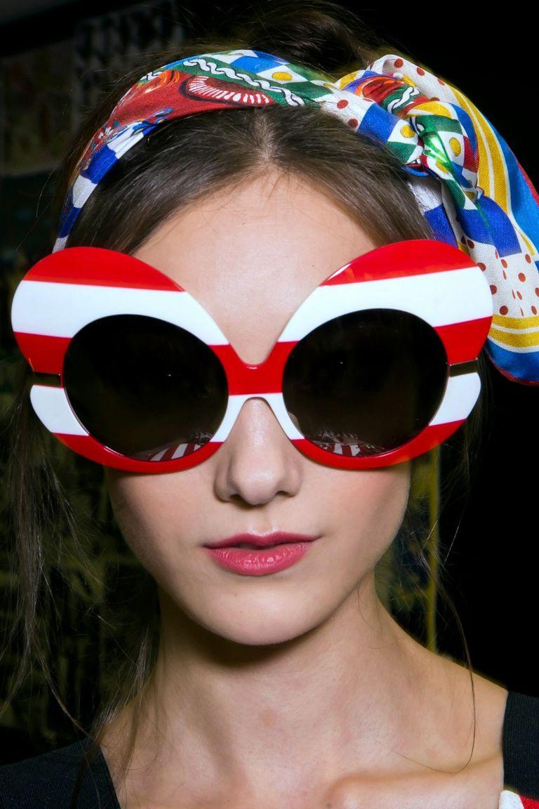 Moda estate 2016 i 10 occhiali da sole pi cool for Pubblicita occhiali da sole