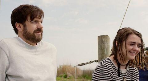 <p>Aiutare aiuta. Perdonate il gioco di parole, ma è quanto succede a Henry (Jason Sudeikis), che rinasce occupandosi di un'orfana adolescente (Maisie Williams) dopo la tragica morte della di lei madre (Jessica Biel).</p>