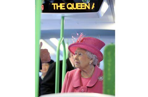 Il compleanno della regina Elisabetta, 90 anni di un simbolo