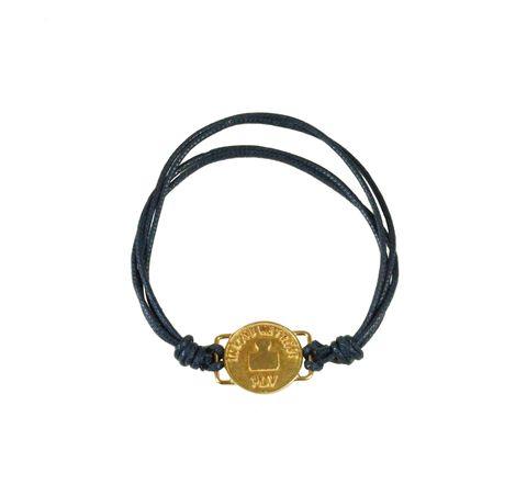 """<p>Una capsule collection di bijoux per celebrare la fibra naturale: il cordino in cotone americano di Cotton Usa incornicia l'amuleto del brand di piccola gioielleria PLV Milano, la moneta ispirata al """"One Cent"""".</p>"""