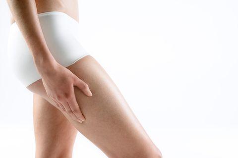 <p>L'Olio 31 aiuta a mantenere elastica la pelle, e per questo motivo può essere utilizzato per contrastare le smagliature.</p>