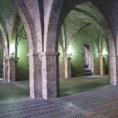 <p>Si parte dal palazzo vescovile di epoca medievale: imperdibile. </p>