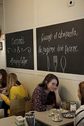 <p><i>Focacce integrali con salmone, </i>cupcakes al pistacchio e torte per vegani. Caffè Coccodì, via Santa Margherita 9.</p><p>.</p>