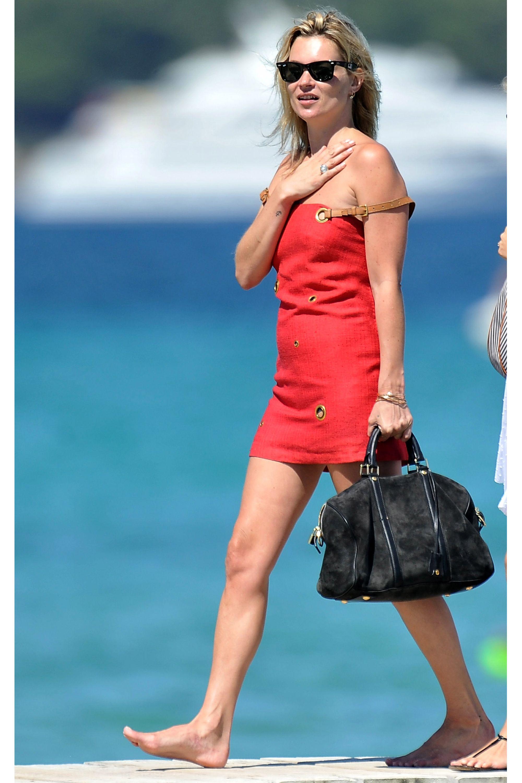 SAINT-TROPEZ, FRANCE - AUGUST 04:  Kate Moss sighting in Club 55 on August 4, 2009 in Saint-Tropez, France.  (Photo by summerO9/FilmMagic)