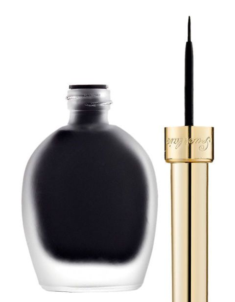 <p>Eyeliner nero. <strong>Guerlain</strong> (€ 38,40)<br></p>