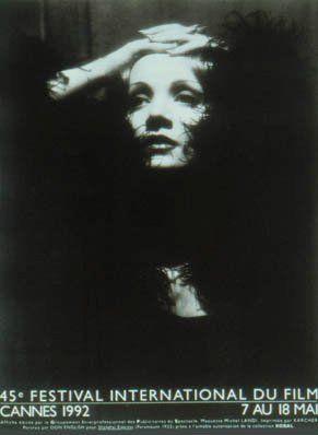 <p>Omaggio a Marlene Dietrich.</p>