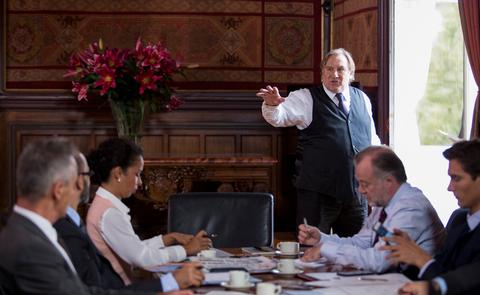 Un grande Gerard Depardieu nei panni del sindaco di Marsiglia.