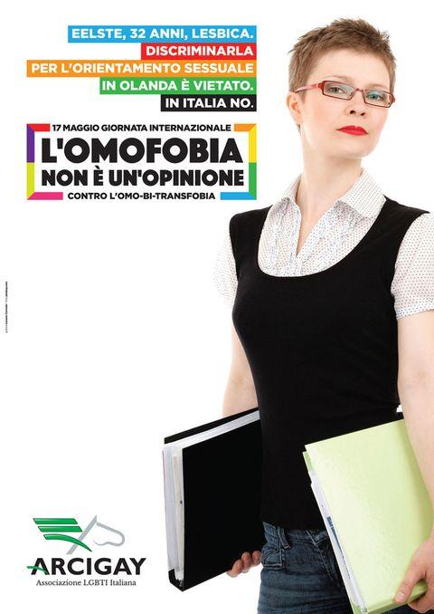 <p>L'<strong>Arcigay</strong> propone una campagna in cui si mette in evidenza l'assenza in Italia di una legislazione efficace a contrasto delle discriminazioni per orientamento sessuale e identità di genere, norme che nel resto d'Europa invece ci sono.</p><p>Protagonisti della campagna Arcigay per il 17 maggio sono quattro persone lgbt (lesbiche, gay, bisessuali, transessuali) che vivono in altrettanti Paesi europei - Spagna, Olanda, Germania e Francia – in cui omofobia, bifobia e transfobia sono reati puniti dalla legge.</p>