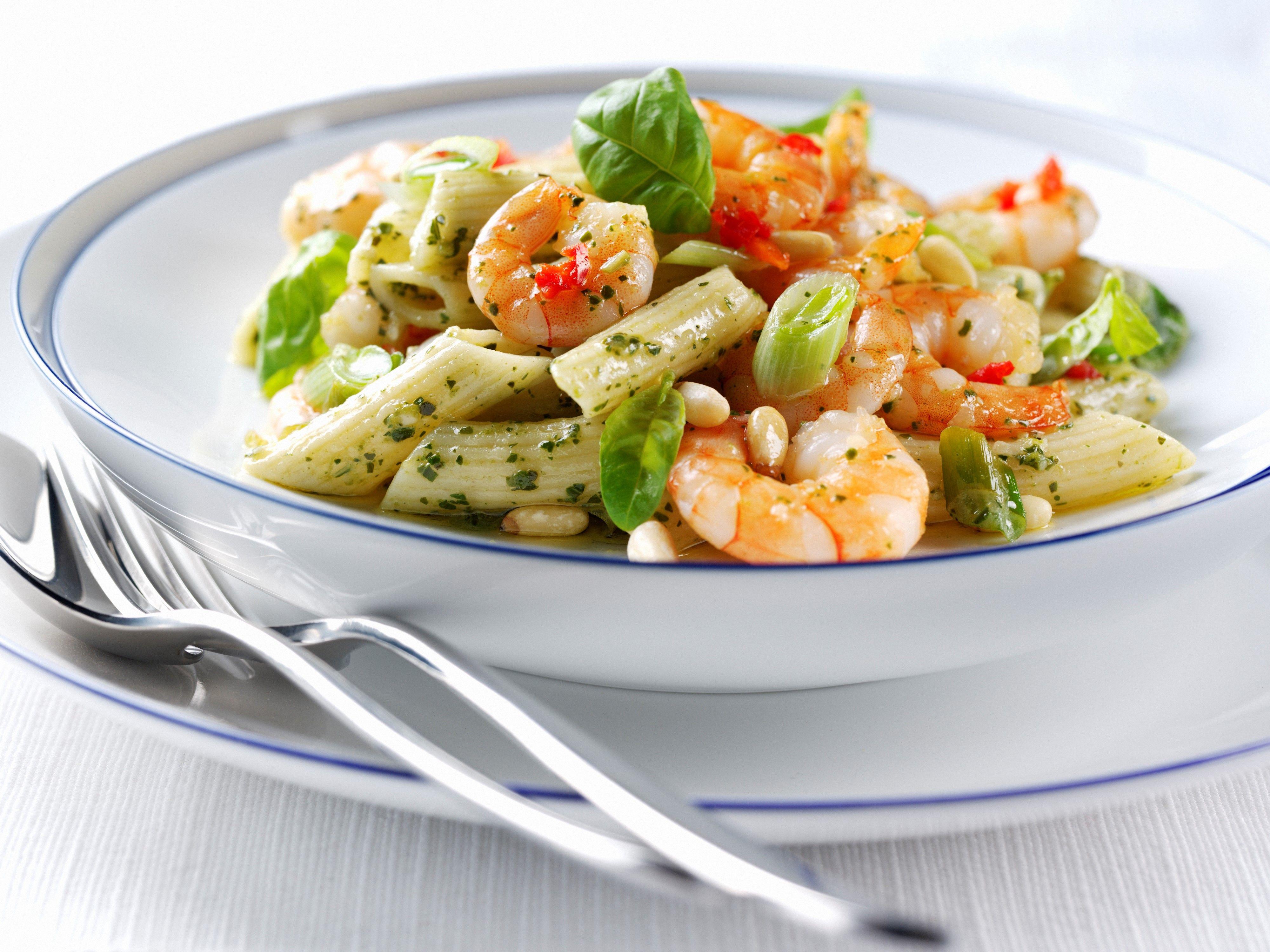 <p>Il <strong>monopiatto</strong> della dieta Gift è un suggerimento per riuscire ad assumere la dose consigliata di proteine, carboidrati e fibre. Le proporzioni sono: un terzo di carboidrati complessi come pane, pasta, riso o patate, un terzo di proteine, tra uova, carne, pesce, affettati o formaggi, e il resto verdura o frutta. Per quanto riguarda quest'ultima parte si può anche abbondare.</p>