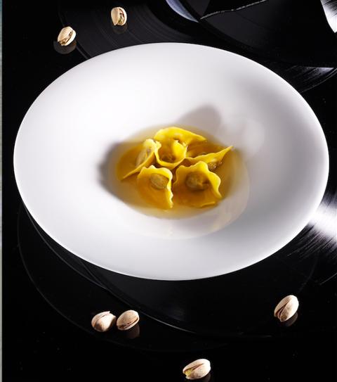 Ricette-al-pistacchio-tortelli in brodo balsamico