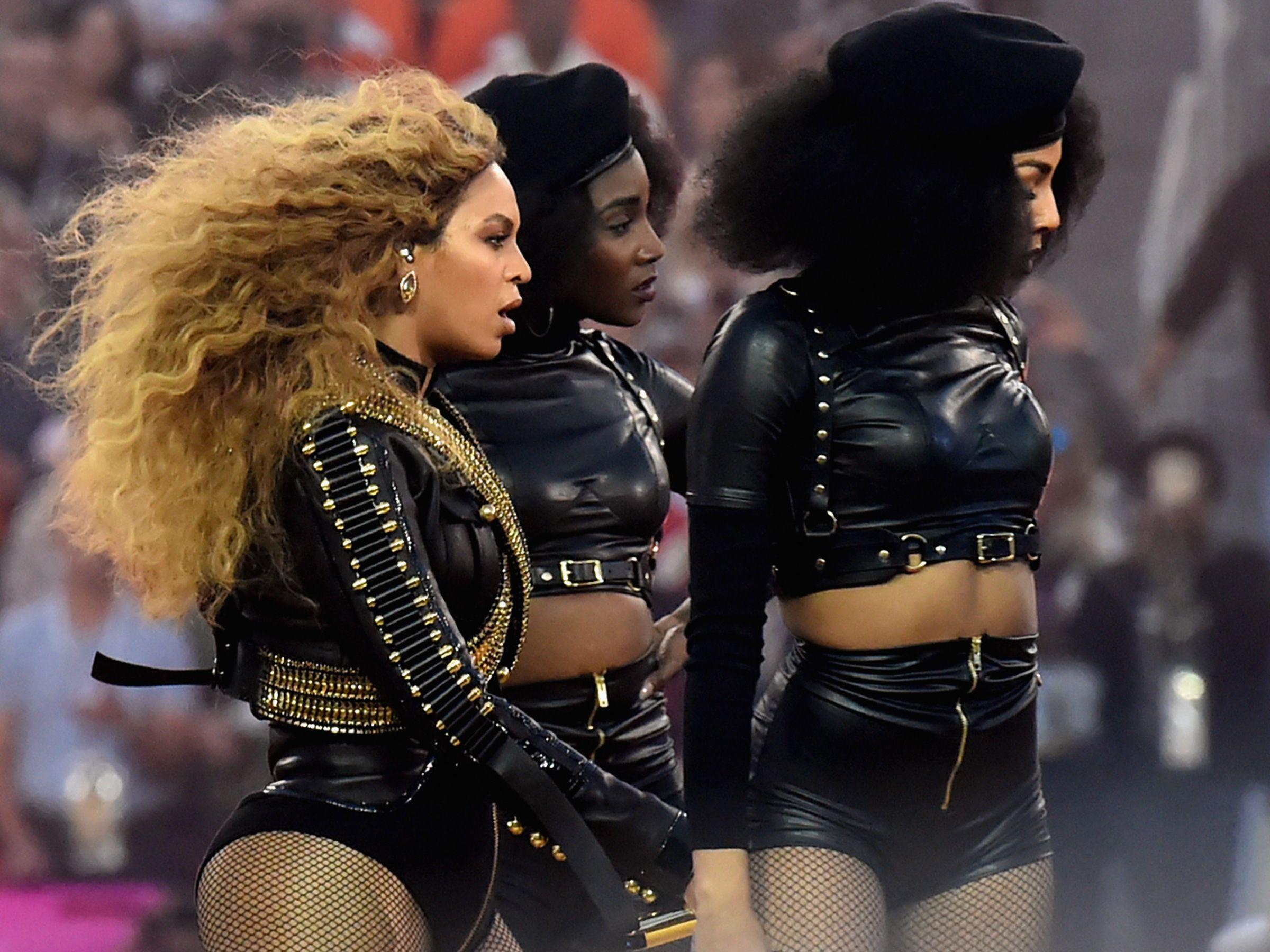 Le nuove icone del pop sono Rihanna, Beyonce, Kim Kardashian e le loro seguaci: donne forti che riscoprono il femminismo e insegnano a vincere.