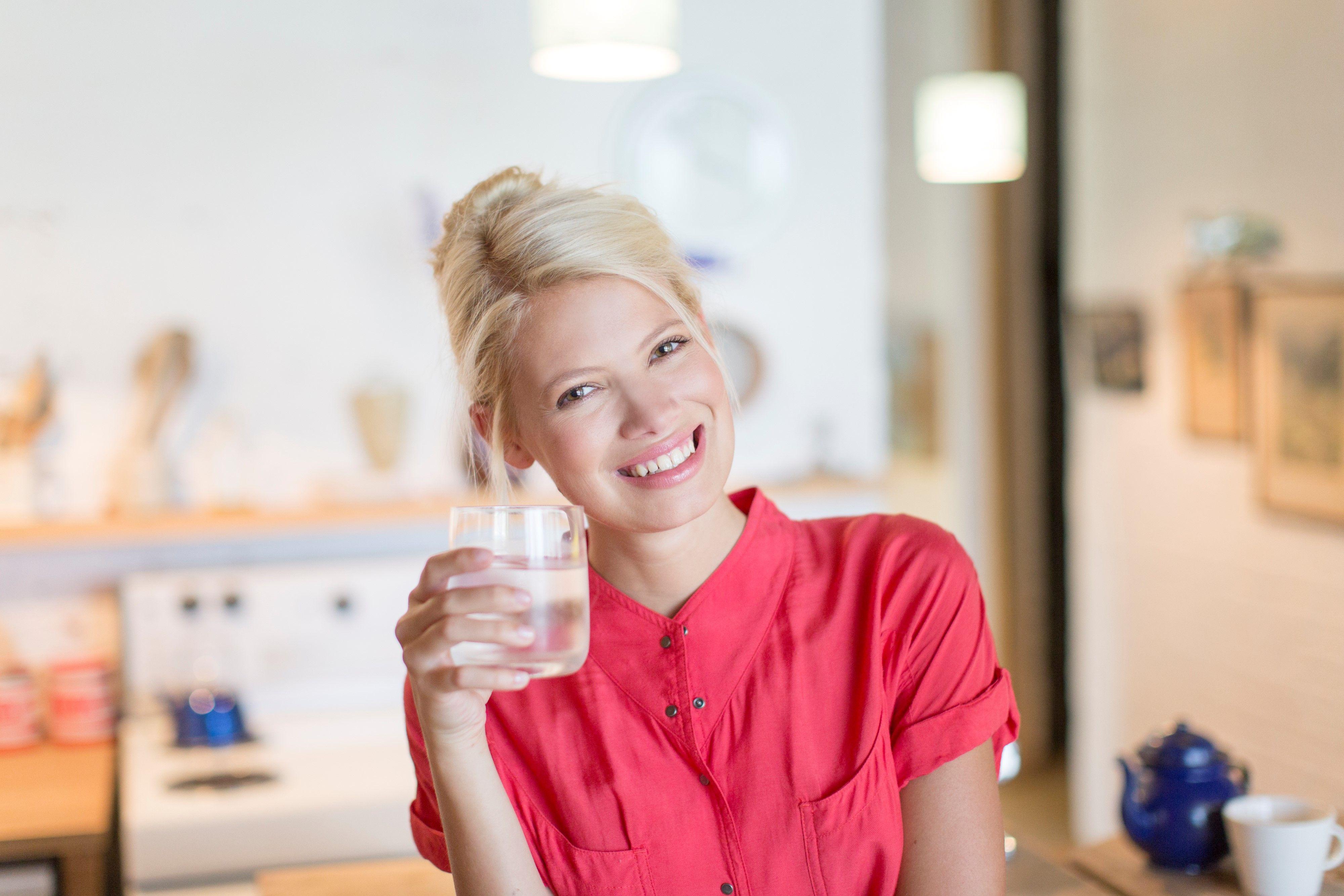 perdere peso bevendo solo acqua