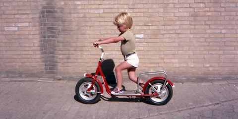Tire, Wheel, Shoe, Rim, Brick, Fender, Automotive tire, Tricycle, Auto part, Bicycle,