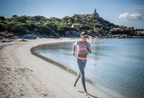 Esercizi per dimagrire: ritrova la forma in tempo per il bikini a costo zero