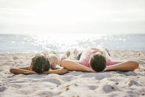 <p>Se sei ancora indecisa sulla meta delle tue prossime vacanze sappi che le spiagge della <strong>Toscana</strong> si sono classificate al secondo posto. Tra le località consigliamo una visita a Castagneto Carducci, con il suo Parco letterario e Museo-Archivio 'Giosuè Carducci', oppure puoi fare un tuffo nel glorioso passato della Versilia <em>a-a-bbronzatissima </em>(Pietrasanta, Forte dei Marmi, e Viareggio).</p>