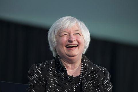 <p>Al terzo posto si piazza Jante Yellen, presidente della Federal Reserve, ovvero la banca centrale degli Stati Uniti d'America. Dietro ai due mostri sacri della politica, dunque, ecco la prima outsider in classifica, premiata proprio perché tra le prime donne nella storia a guidare una banca centrale.</p>