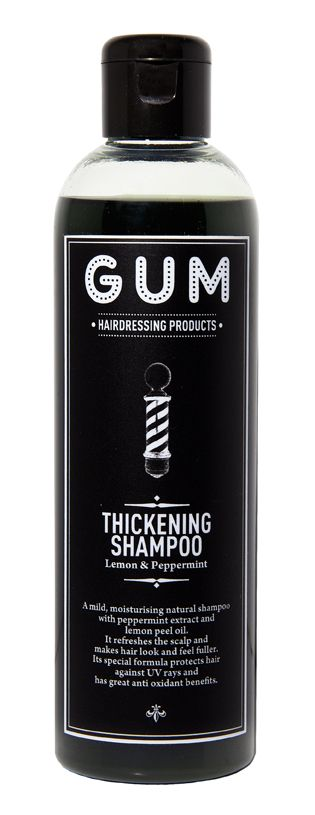 <p>Thickening Shampoo, <strong>Gum</strong> (da € 19 in salone).</p>