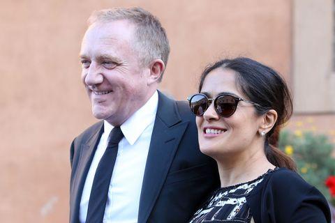George Clooney, Richard Gere e Salma Hayek in udienza con le famiglie da papa Francesco dimostrano che per mantenersi giovani bisogna essere buoni.