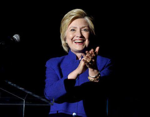 <p>Anche il secondo gradino del podio non sorprende, con la candidata alla presidenza Usa Hillary Clinton. Il dominio di Angela Merkel può essere intaccato solo da lei. «Se sarà eletta presidente, si tratterà di una storica pietra miliare in un carriera di successi», scrive <em>Forbes</em>.</p>