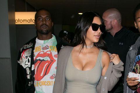 <p>Per seguire tutte le mirabilanti avventure social della signora West Kim Kardashian, comprese quindi quelle su Snapchat, collegati su kimkardashwest.</p>