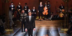 Presley Berger sfila per Dolce e Gabbana