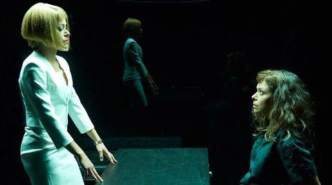<p>Ad altissimo tasso di dipendenza immediata anche The Orhan Black, il tostissimo telefilm fantascientifico canadese che ha dalla sua una scrittura eccezionale e una protagonista, Tatiana Malsani, di una bravura più unica che rara. Impossibile, una volta visto il pilo, non bramare una full immersion totale nel mondo di Sarah Manning e le sue sorelle. <strong>Predisposizione all'abbuffata</strong>: esponenziale, se avete poco tempo libero state alla larga.</p>