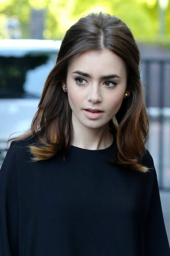 Lily Collins beauty look