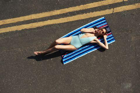 Scegliete con cura dove prendere il sole, può salvarvi la vita.