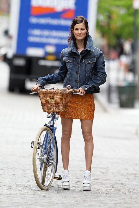 moda estate 2016 look streetstyle bicicletta