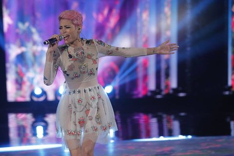 <p>La ragazza dai capelli color bubble gum più copiati dalla tenne ager, ma non solo, italiane, è la vincitrice della seconda puntata del CCSM con il brano <em>Amore Avrai</em>.</p>