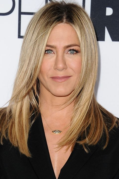 <p>Aniston's cool-toned ashy highlights are a guaranteed way to make light eyes pop.</p>