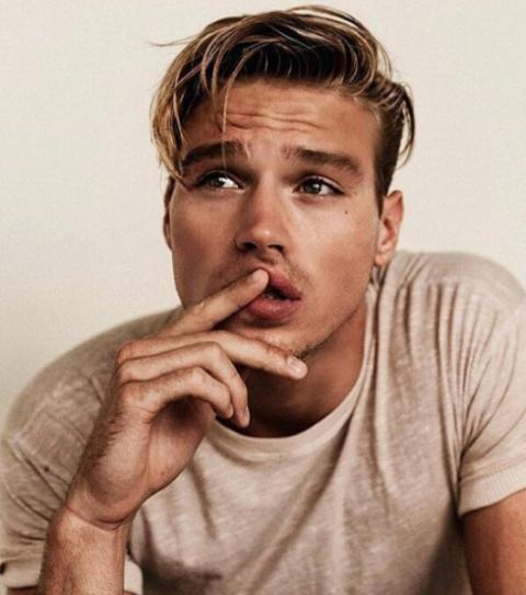uomini bellissimi instagram matthew noszka