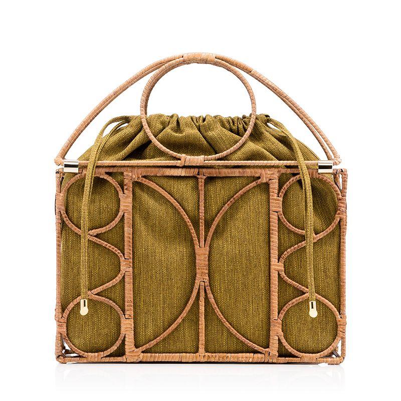 <p>Con struttura di legno, <strong>Charlotte Olympia</strong>.</p>