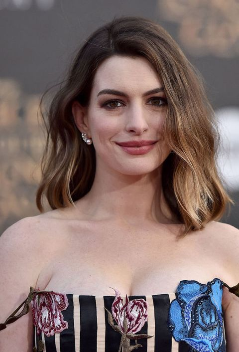 <p><strong>Età: </strong>33</p><p><strong>Oscar: </strong>1 (<em>Les Miserables</em>, 2013)</p><p><strong>Curiosità: </strong>Anne Hathaway ha una labrador chocolate che ama moltissimo, Esmeralda.</p>
